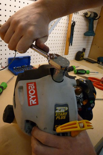 Removing Spark Plug