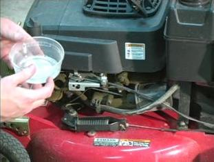 How to Change Lawn Mower Oil: 4 Steps